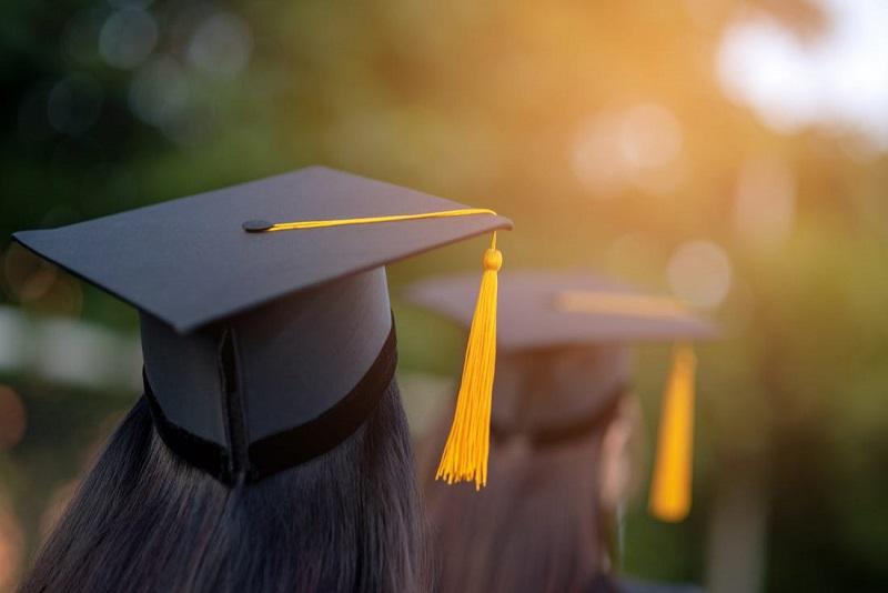 biaya semester kuliah