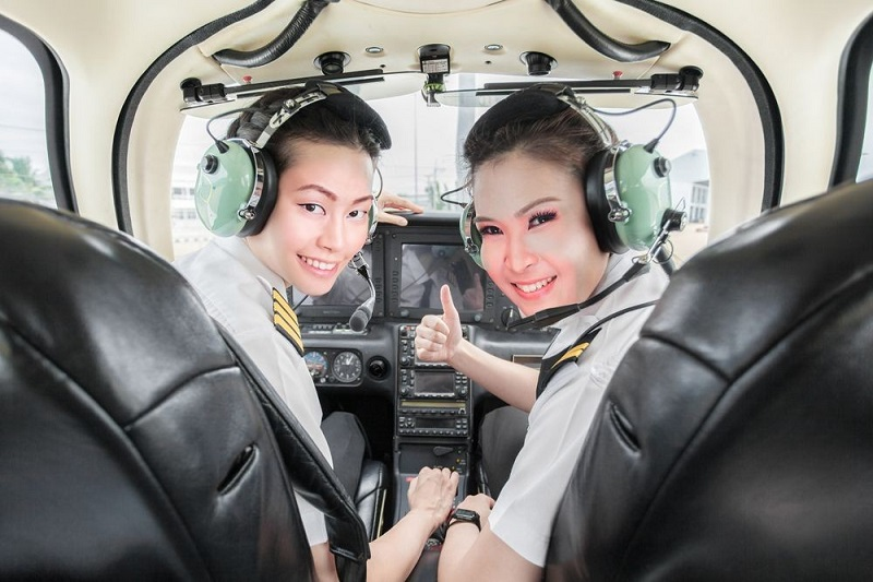 sekolah penerbangan