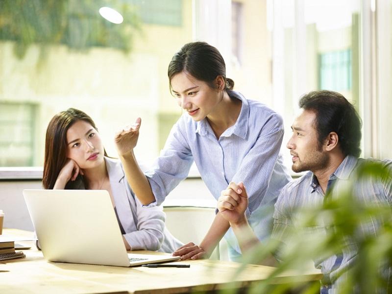 Ingin Karir Cemerlang Ikuti 9 Tips Jadi Karyawan Teladan