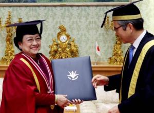 Perguruan Tinggi - Megawati Soekarnoputri